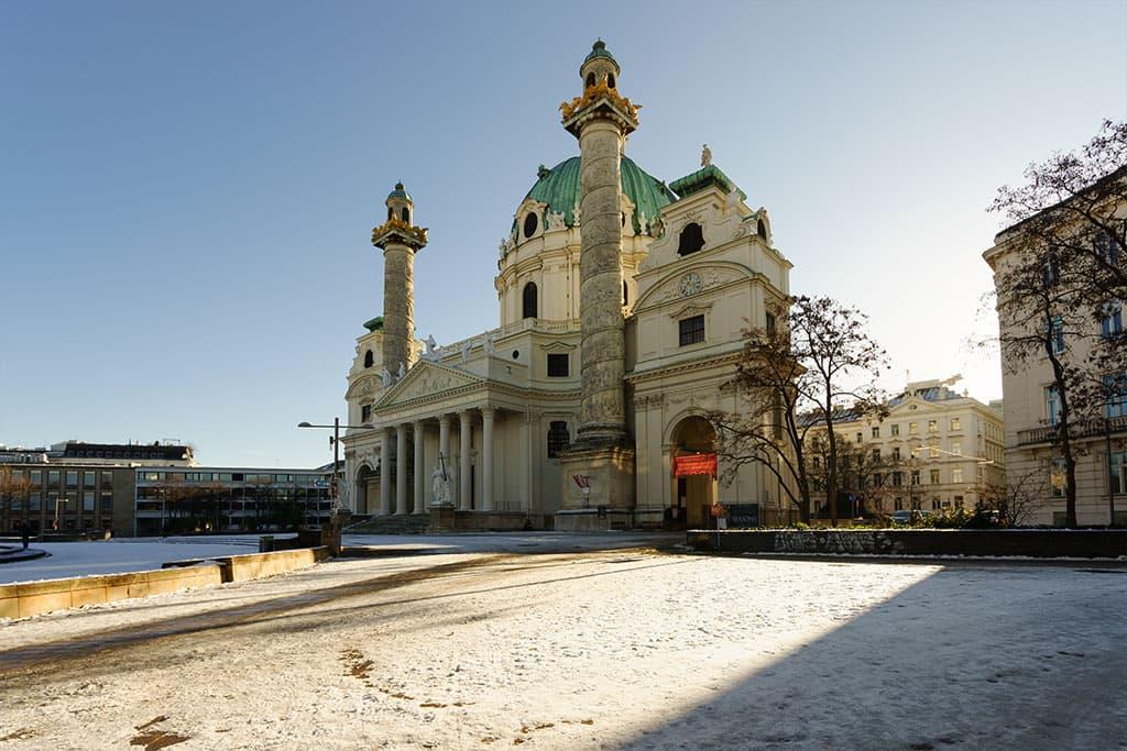 Karlskirche-Wien-Kirchen-Top-10