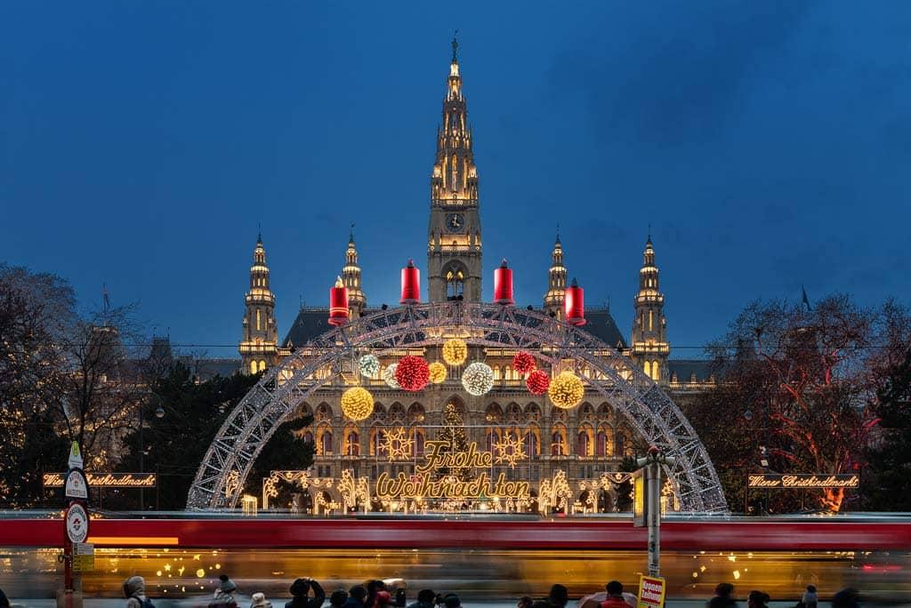 christkindlmarkt-rathausplatz