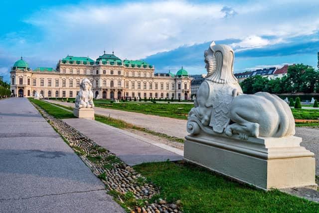sphinx-und-oberes-belvedere
