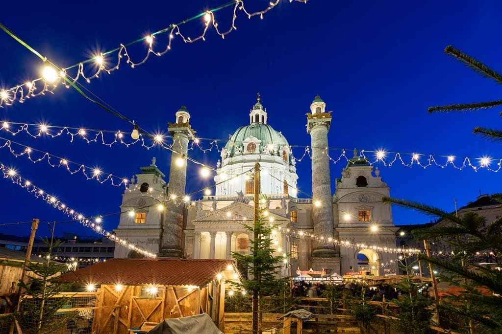weihnachtsmarkt-karlsplatz