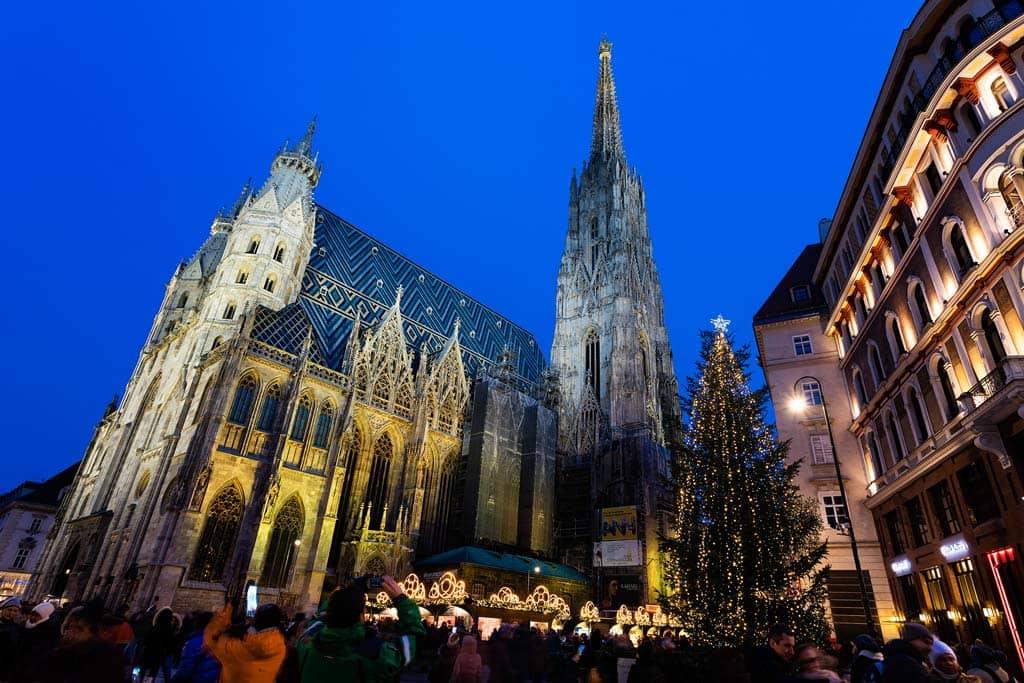 weihnachtsmarkt-stephansplatz