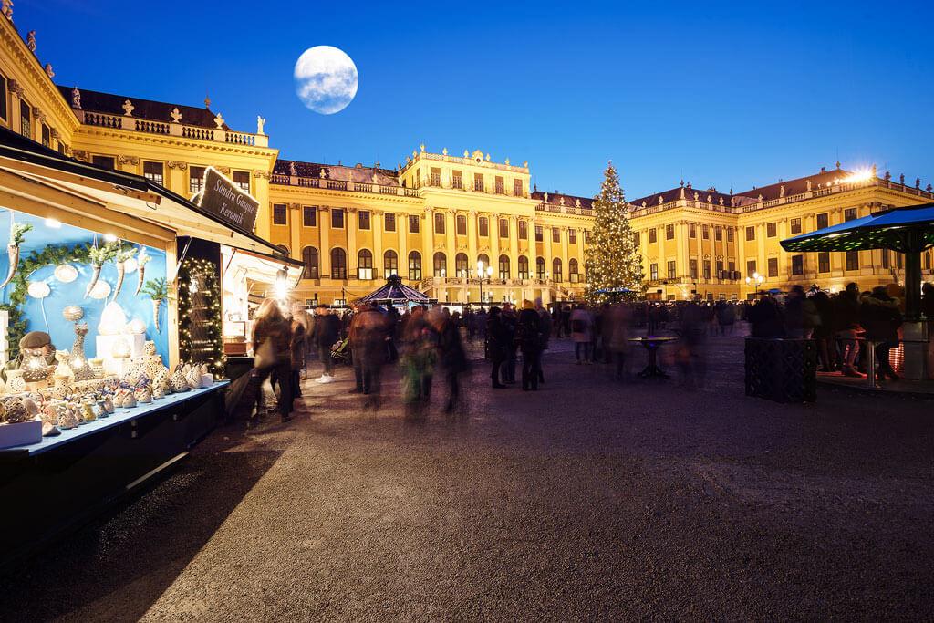 Kultur-und-Weihnachtsmarkt-Schloss-Schoenbrunn-02