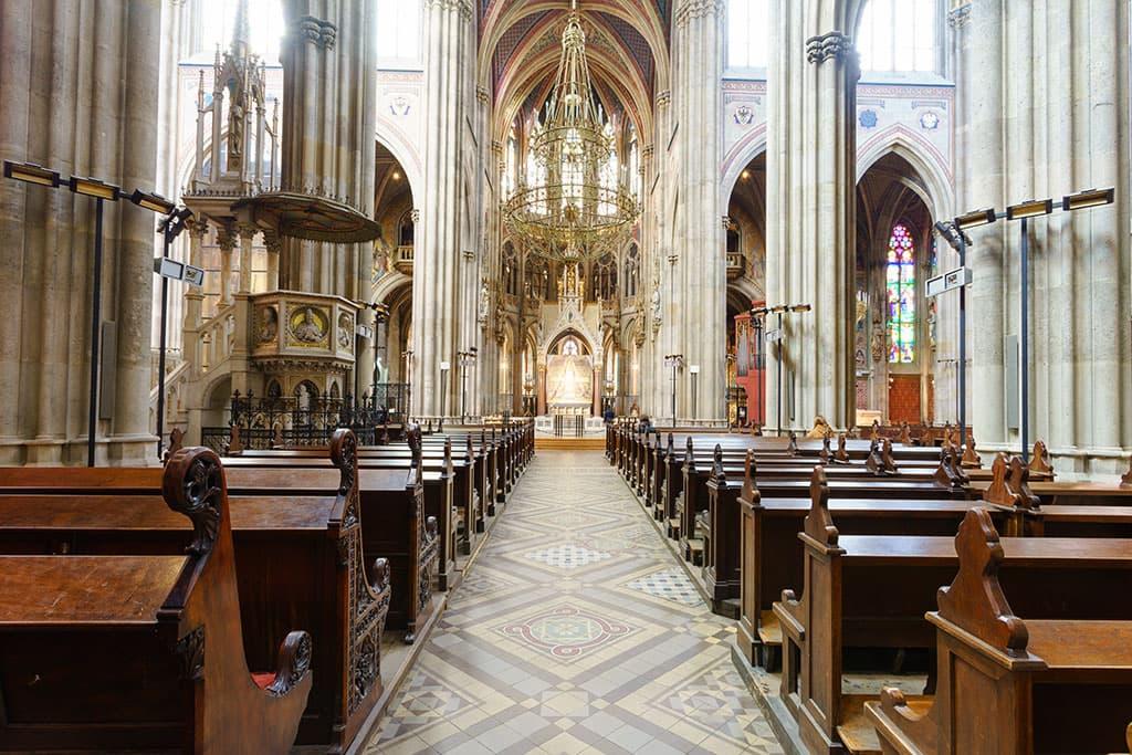 wien-sehenswuerdigkeiten-top-10-kirchen-votivkirche-1