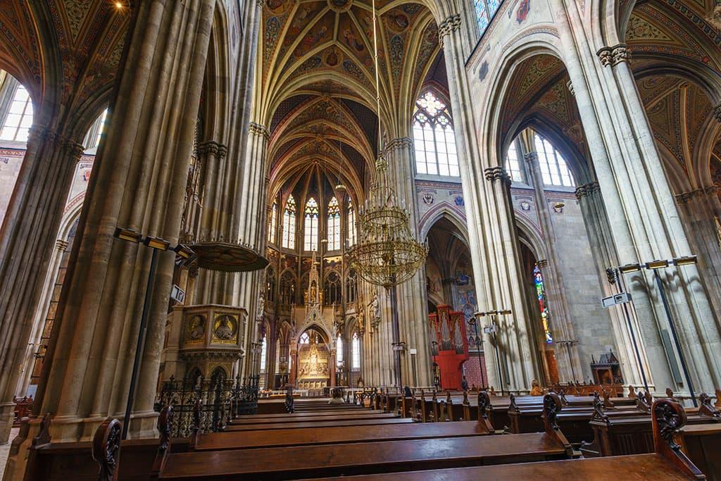 wien-sehenswuerdigkeiten-top-10-kirchen-votivkirche-6